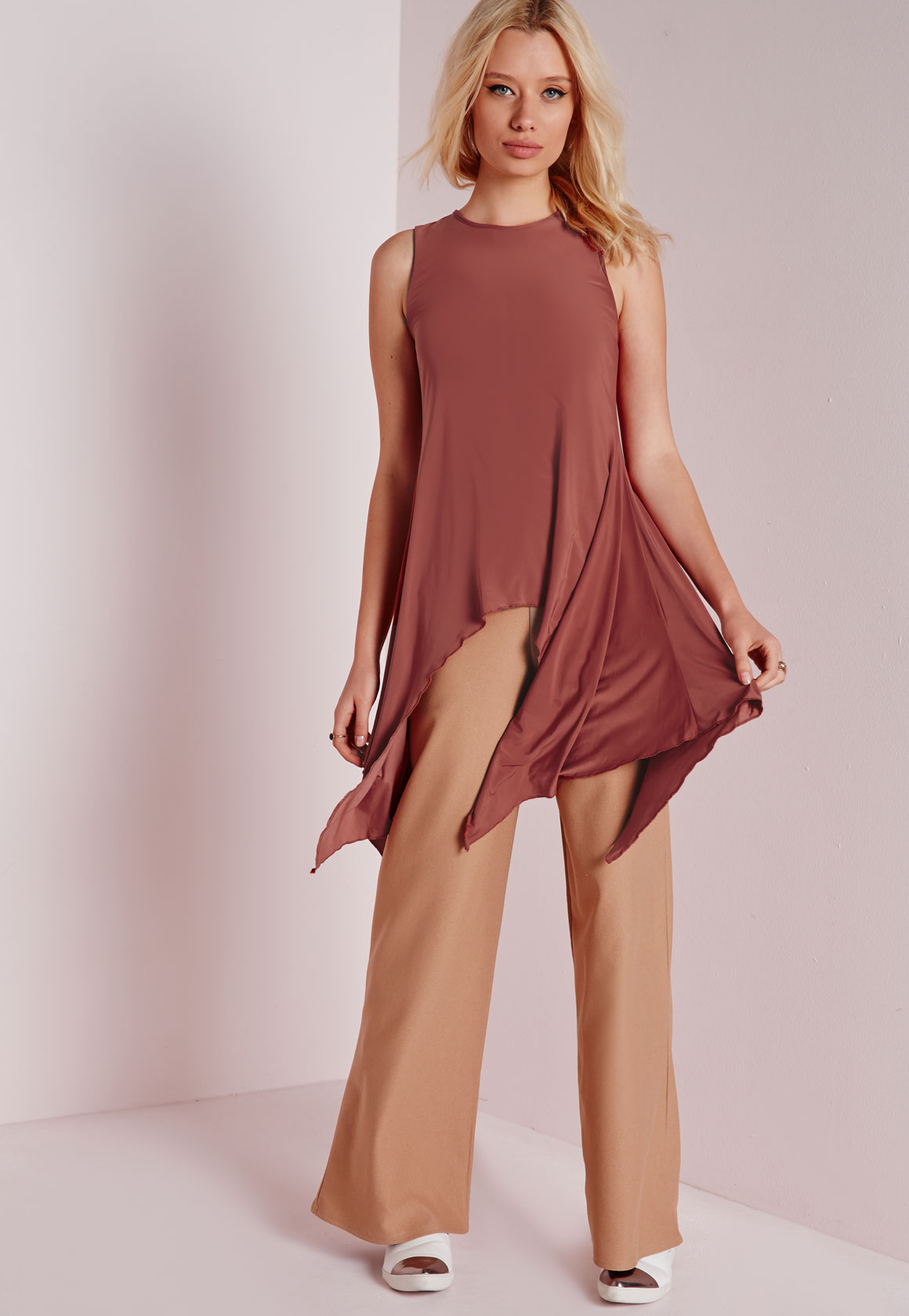 Shop Missguided online and buy Asymmetric Hem Top Rust by Missguided