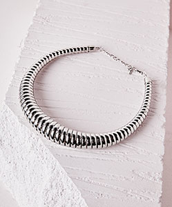 Oversized necklace £6